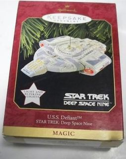 Christmas hallmark Star Trek Deep Space Nine 9 USS Defiant Ornament