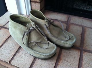 Mens Clarks Original Wallabee Boots (Sand Suede 35405)   size 11.5M