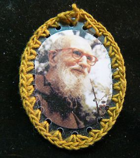 HAND MADE BY NUNS BADGE W/RELIC OF FR. SOLANUS CASEY O.F.M. Cap.