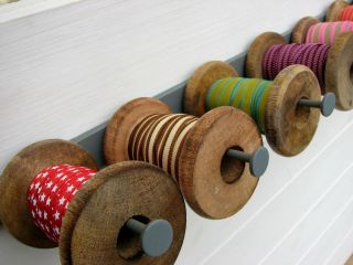 Metal Ribbon Spool Rack Holder   Fantastic Display Piece