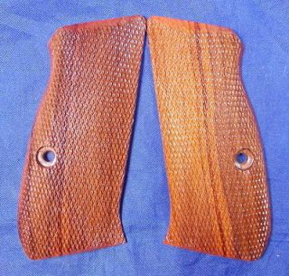 NEW WOOD CHECKERED GRIPS FOR CZ 75,85, COMPACT, CZ 75, 85D