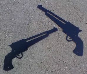 Glossed Black metal Western PISTOLS / GUNS signs plaques