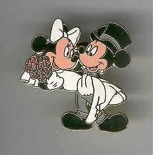 DISNEYS MICKEY AND MINNIE MOUSE WEDDING CROSS STITCHING PATTERN.