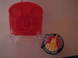 Mickey Mouse Toast/Cookie/ Press Cutter  NWT
