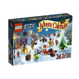 NEW~LEGO CITY~ADVENT CALENDAR~SET # 4428~248 PCS~MINIFIGURE S~SANTA
