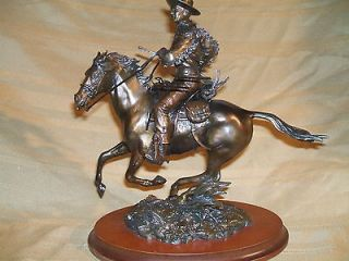 Franklin Mint JOHN WAYNE ON HORSEBACK Searchers bronze statue with C.O