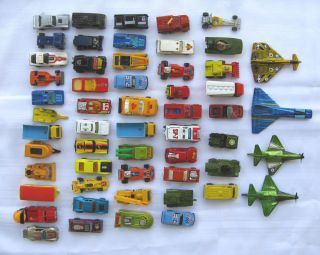 LOT of 48+ MATCHBOX   HOT WHEELS   HOT BIRDS with CARRYING CASES !!!