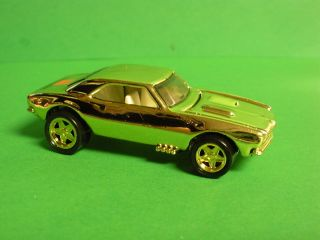 Hot Wheels Limited Edition FAO Schwarz Gold Series II 67 Camaro w Pro