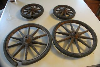 Wooden Vintage Antique Wagon Wheels Rustic Set of 4 Wall Hang