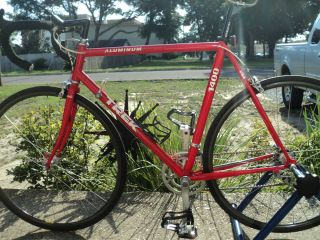 Trek 1400 Trek Road Bike Shimano 105 Groupset 700cc Areo Wheels