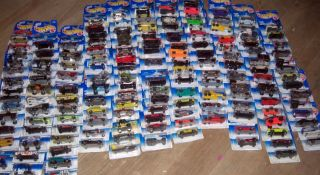 Hot wheels big lot of 154 cars unopened great condition many