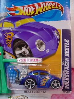 NEW CASE L 2012 i Hot Wheels VOLKSWAGEN BEETLE 151 BLUE VW BUG Heat