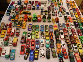 160 CARS, TRUCKS, FARM , SCHOOL BUS ETC. LISNEY, HOT WHEELS MATCHBOX