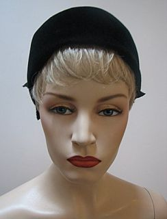 Ladies Vintage Black Velour Hat Lovely 1186