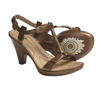 Crown by Born Alcala II T Strap Sandals   Leather (For Women)   RAME METALLIC (10 )