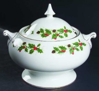 Royal Grafton Noel Tureen &  Lid, Fine China Dinnerware   Holly & Berries,Holly